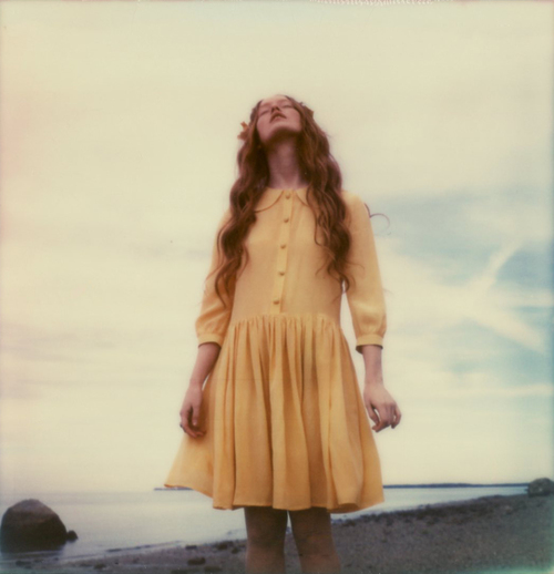 amber_byrne_mahoney_india_salvor_menuez_betty_magazine_summer_editorial_new_york_fashion_photography_polaroid_beach_wanderlust_dreamy_002