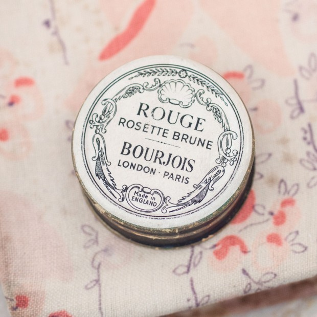 bourjouis-rouge-box-1-1000x1000