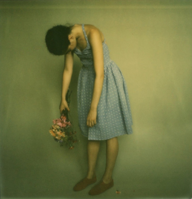 amber_byrne_mahoney_tara_violet_toujours_family_affairs_nina_egli_instant_film_polaroids_impossible_project_002