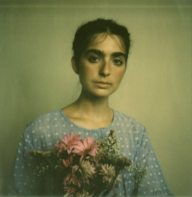 amber_byrne_mahoney_tara_violet_toujours_family_affairs_nina_egli_instant_film_polaroids_impossible_project_003