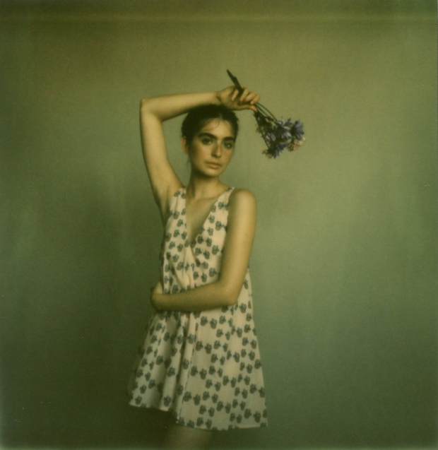 amber_byrne_mahoney_tara_violet_toujours_family_affairs_nina_egli_instant_film_polaroids_impossible_project_011