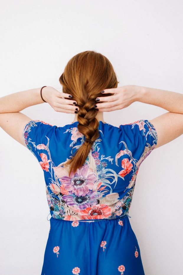 Larkspur Vintage | Beauty: 3 Easy Hairstyles for a Sweaty Head